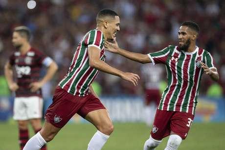 Gilberto comemora gol durante Flamengo x Fluminense pela semifinal do Campeonato Carioca, realizada no Maracanã, na noite deste sábado (6) ,no Rio de Janeiro