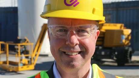 CEO da Carbon Engineering, Steve Oldham; a empresa diz que dinheiro das grandes petroleiras é bem recebido como investimento na nova tecnologia