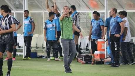 Técnico Ranielle Ribeiro celebrou o resultado na primeira partida, mas prega cautela na volta (Foto: Divulgação/ABC)