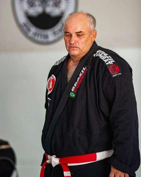 Caquinha (de quimono preto) é o líder da Top Brother e comentou a união com a Carlson Gracie (Foto: Divulgação)