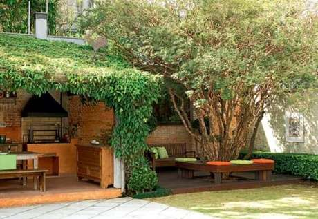 67 – Área de lazer pequena com projeto paisagístico integrado