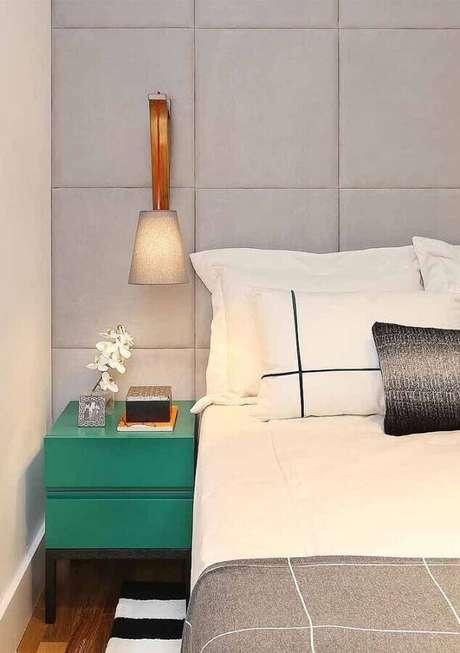 13. Modelo de criado mudo para quarto de casal com decoração moderna – Foto: Pinterest