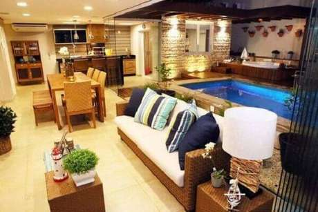 51 – Decore áreas externas com piscinas pequenas. Projeto de I Vanda Carvalho Barbosa