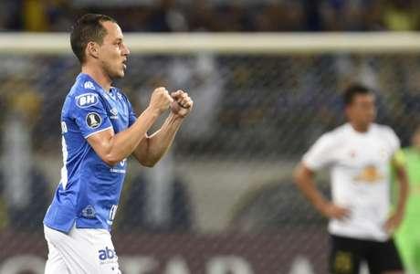 A Raposa venceu os venezulanos em BH por 2 a 0 na partida de ida do Grupo B- (Foto: DOUGLAS MAGNO / AFP)