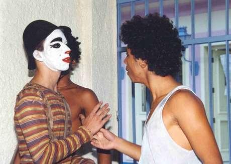 Junior (à esquerda), como Zeca, em'Estrela-Guia'.
