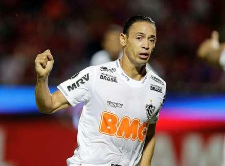 Ricardo Oliveira marcou na derrota em Assunção