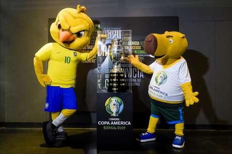 Mascote da Copa América visita o Museu da Seleção Brasileira (Foto: Alexandre Loureiro / COL Copa América Brasil 2019)