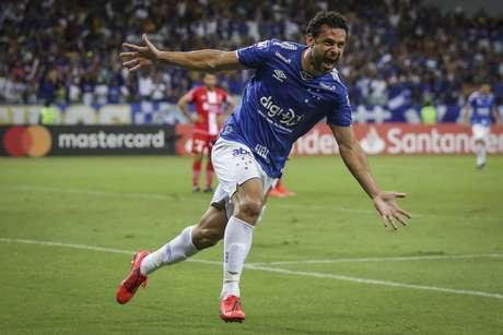 Comemoração do gol de Fred, terceiro do Cruzeiro, marcado diante do Huracán