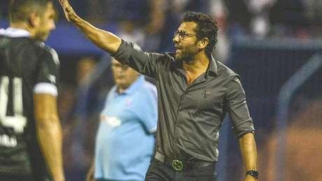 Valentim afirmou que não recebeu proposta do Atlético-MG (Foto: Eduardo Valente/Lancepress!)