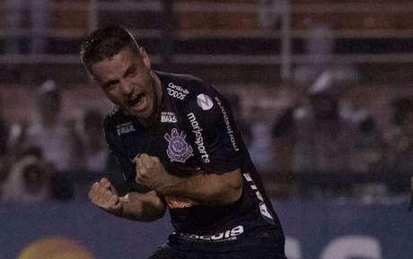 Ramiro vibra ao acertar cobrança de pênalti na semifinal contra o Peixe (Foto: Daniel Augusto Jr/Agência Corinthians)