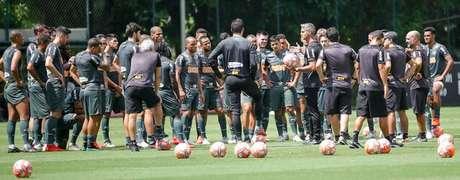 Rodrigo Santana comandou o primeiro treino com o grupo atleticano nesta sexta-feira, na Cidade do Galo- Bruno Cantini/Atlético-MG