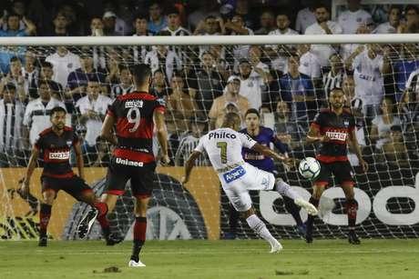 Santos Domina O Atletico Go Na Reinauguracao Da Vila