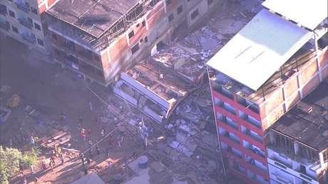 Dois prédios desabaram na comunidade da Muzema, na Zona Oeste da cidade do Rio de Janeiro