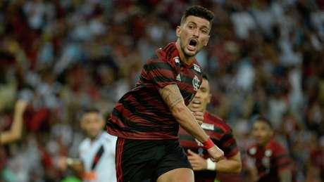 Tem espaço? Arrascaeta e Diego mostraram bom entrosamento no último jogo (Foto: Alexandre Vidal/Flamengo)
