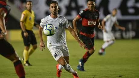 Jean Mota tem seis assistências para gol e oito tentos marcados na temporada pelo Santos (Foto: Ivan Storti/Santos)