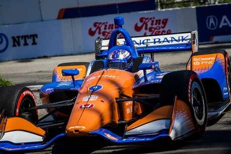 Scott Dixon lidera sexta-feira em Long Beach; Kanaan foi apenas 12º