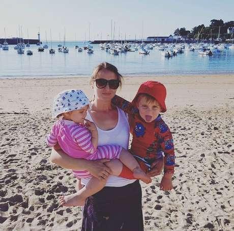 Para evitar a fase mais aguda com a progressão natural da doença, Ellie Funch Hulme resolveu antecipar a maternidade