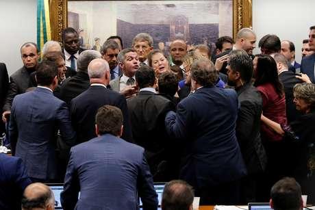 Tumultos e discussões marcaram debates na CCJ na semana passada (09/04/2019) REUTERS/Adriano Machado