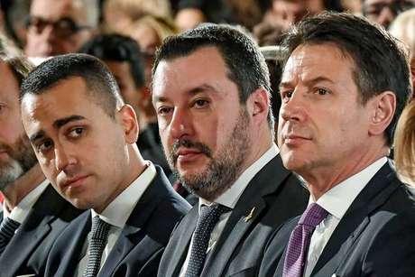 Luigi Di Maio, Matteo Salvini e Giuseppe Conte durante evento em Roma