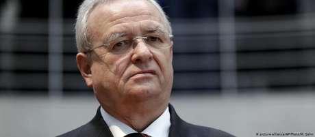 Acusado de fraude particularmente séria, ex-chefe da Volkswagen Martin Winterkorn pode pegar até 10 anos de prisão