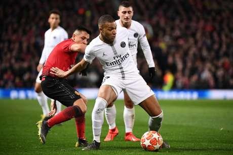 Mbappé ficou bastante insatisfeito com a derrota(Foto: AFP)
