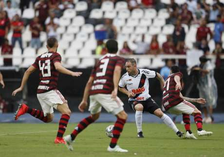 Clássico no Nilton Santos atraiu poucos torcedores de Vasco e Flamengo (Foto: Rafael Ribeiro/Vasco)