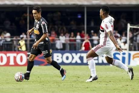 Jadson foi titular do Corinthians na partida contra o São Paulo (Foto: Rodrigo Gazzanel/Ag. Corinthians)