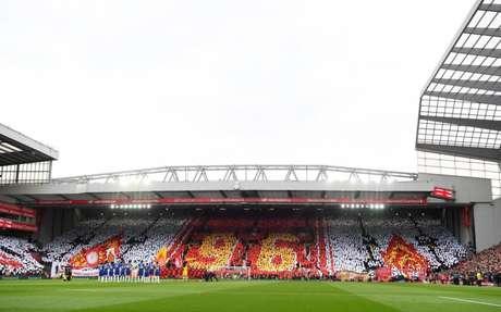 A homenagem da torcida do Liverpool (Foto: Liverpool Brasil)