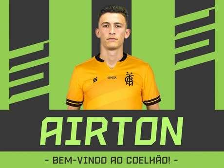 Airton vem reforçar a meta americana, que tem apenas Fernando Leal como arqueiro mais experiente no time- Divulgação/América-MG