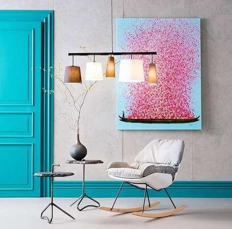 17. Cadeiras de balanço podem ser usados em praticamente todos os ambientes da casa – Foto: Kare KL