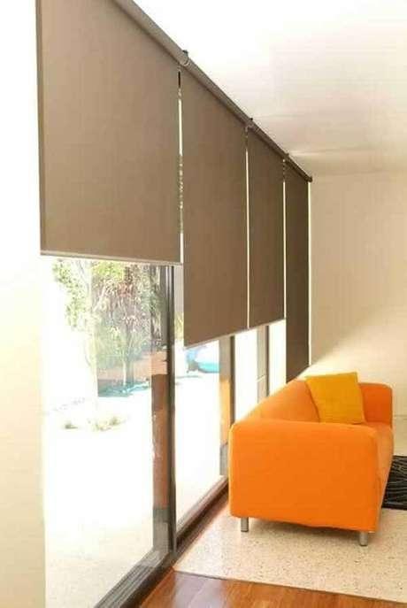 18- Os modelos de cortinas com sistema blackout permite o bloqueio quase total da luz externa. Fonte: Pinterest