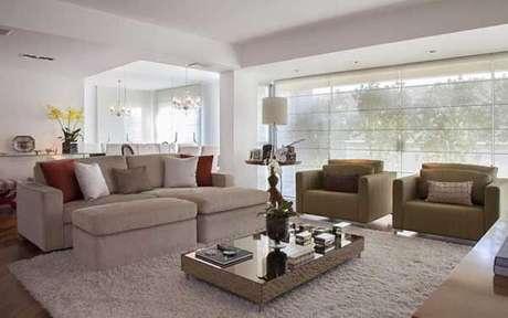 21- Os modelos de cortinas transparentes são ideais para ambientes clean. Fonte: JF Arquitetos