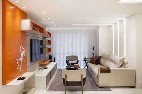 41- Os modelos de cortinas com persianas verticais são ideais para controlar a luminosidade. Fonte: Sueli Zapparolli
