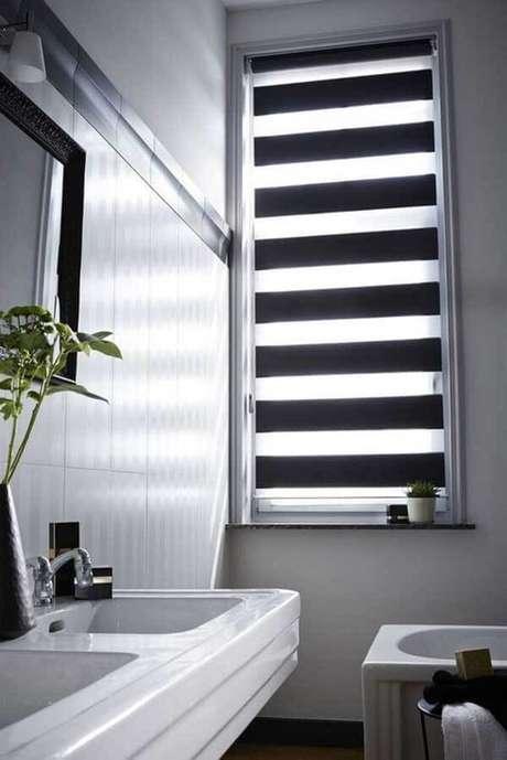 56- Os modelos de cortinas para banheiros Double Vision são modernos e decorativos. Fonte: Pinterest