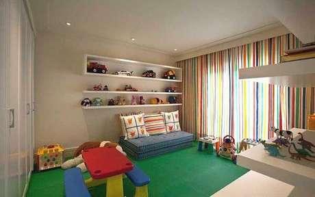 58- Os modelos de cortinas para sala de brinquedos precisam ser alegres e coloridos. Fonte: Pinterest