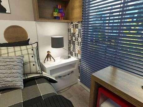 60- Os modelos de cortinas para quartos de crianças podem ser persianas coloridas. Fonte: Pinterest