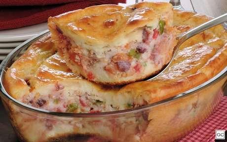 Que tal uma torta de bacalhoada? É uma receita diferente, mas deliciosa para a sexta-feira santa - Foto: