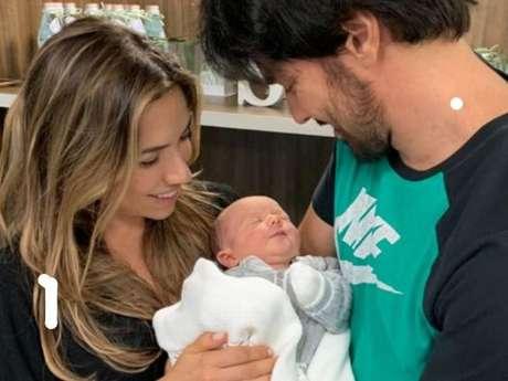Patrícia Abravanel e Fabio Faria batizaram o filho com o nome do avô materno, Silvio Santos