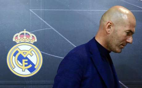 Zidane lamentou o incêndio na Catedral (Foto: Pierre-Philippe Marcou / AFP)
