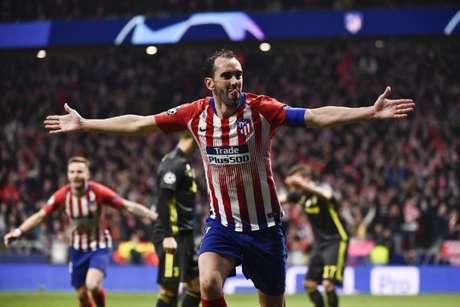 Godín é um dos maiores ídolos da história do Atlético de Madrid (Foto: AFP)