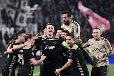 De Ligt fez o gol que deu a classificação para o Ajax sobre a Juventus nesta terça-feira (MARCO BERTORELLO/AFP)