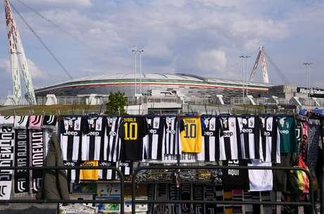 Na Itália, a Juventus é considerada favorita na luta pela classificação contra o Ajax
