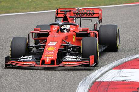 """Hakkinen fala sobre a Ferrari: """"Esqueça as ordens da equipe, concentre-se na equipe vencedora"""""""