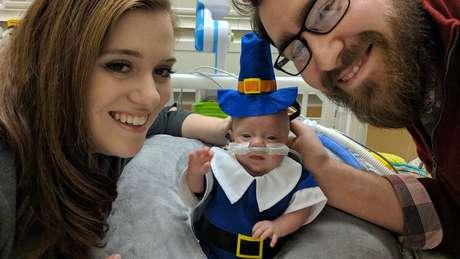 Connor vestido para o Dia de Ação de Graças: 'São lembranças que teríamos se essas datas fossem comemoradas em casa'