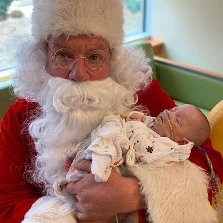 Ele também recebeu a visita do Papai Noel