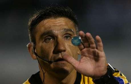 Leandro Bizzio Marinho vai conduzir o clássico entre Atlético-MG e Cruzeiro, no próximo sábado