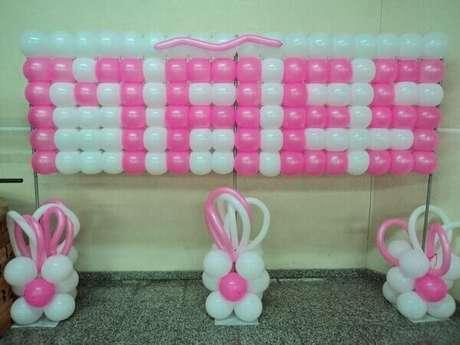8- A decoração dia das mães na escola podem ser realizadas com bexigas coloridas na porta de entrada. Fonte: Toda Atual