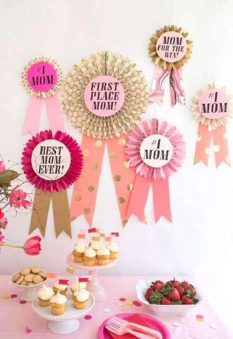 20- Na decoração dia das mães divertida as frases foram fixadas na parede. Fonte: A Minha Festinha