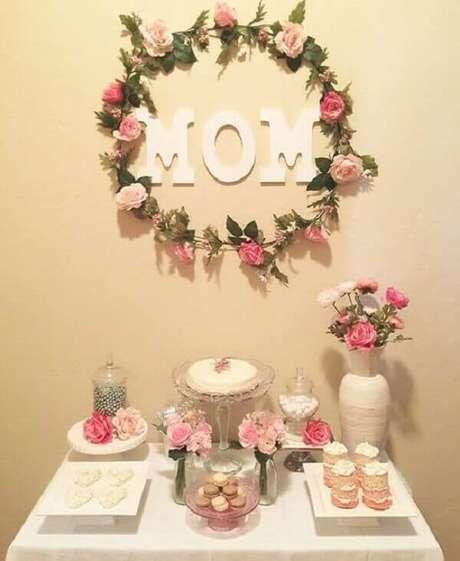 40- A decoração dia das mães com flores é delicada e romântica. Fonte: Como Fazer em Casa