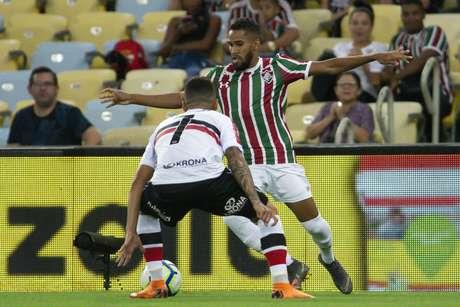 RJ - FLUMINENSE/SANTA CRUZ - ESPORTES Everaldo durante Fluminense x Santa Cruz pela Copa do Brasil, realizada no Maracanã no Rio de Janeiro, RJ, na noite desta quarta-feira (17).